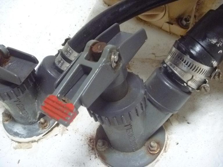 Seacock flush fitting